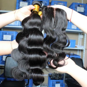 Peruvian Virgin Hair Body Wave 4X4inches Middle Part Silk Base Closure with 3pcs Weaves